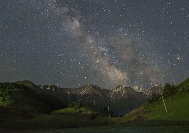 Yıldızlı gökyüzüyle göz kamaştıran Bişkek manzaraları
