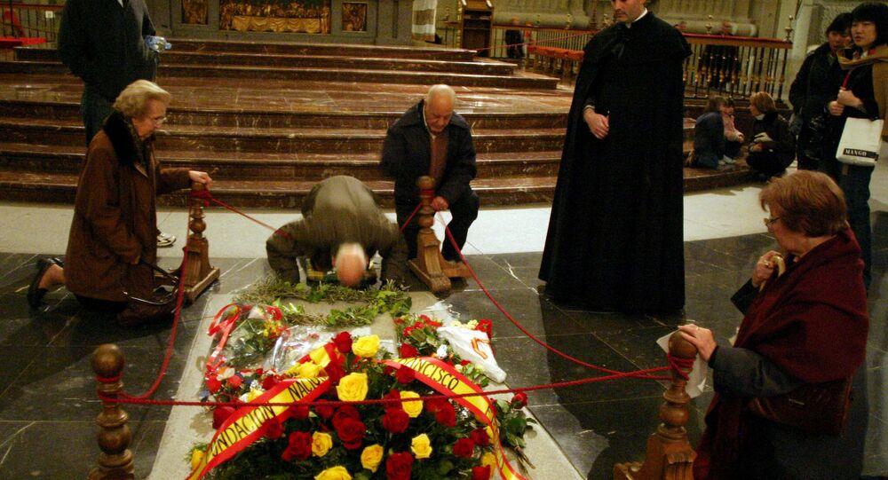 Diktatör Francisco Franco'nun anıt mezarı