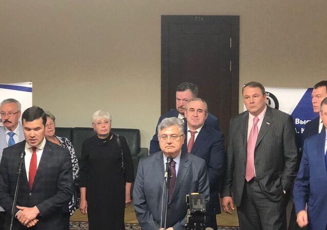 Andrey Karlov. Sonsuzluğa giden yol' isimli serginin açılışına katılan Türkiye'nin Rusya Büyükelçisi Hüseyin Diriöz