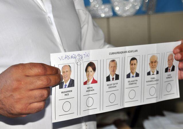 Manavgat'ta Putin'e oy çıktı.