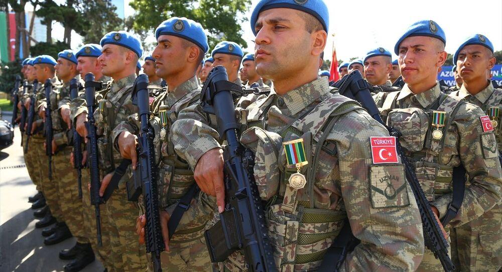 Törende, Türk Kara Kuvvetleri'ne bağlı askeri birlikler de yer aldı.