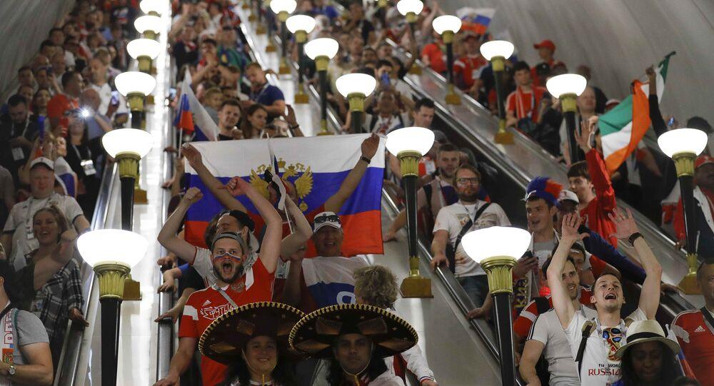 Rus taraftarlar çeyrek finali coşkuyla karşıladı