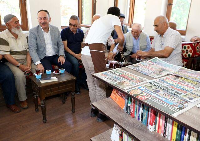 Kırıkkale'de Millet Kıraathanesi'ni 'cup cake' ile açıldı