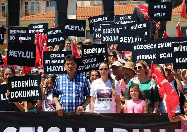 Kemer Belediye Başkanı Mustafa Gül'ün eşi Neşe Gül