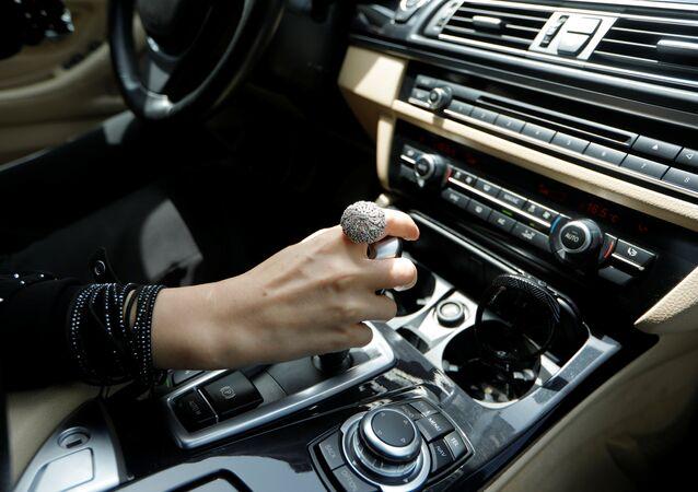 Suudi Arabistanlı bir kadın sürücü