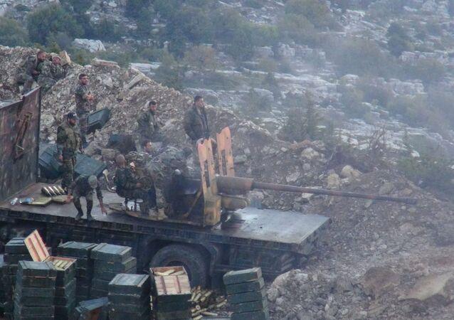 Suriye ordusundan Lazkiye'deki terör yanlılarına gece operasyonu