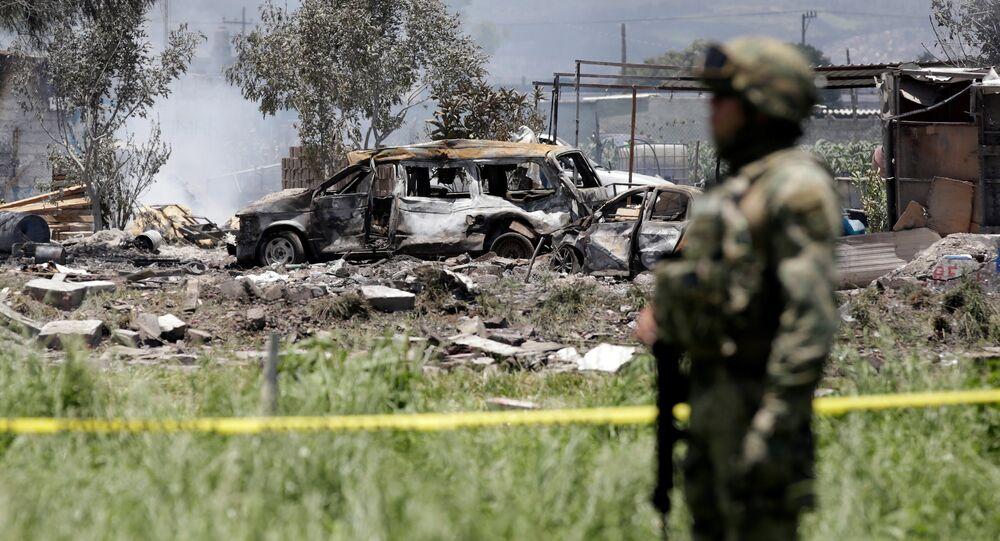 Meksika'da hava fişek atölyesinde patlama - asker