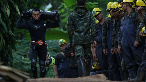 Tayland'daki Tham Luang mağara kompleksindeki kurtarma çalışmaları - Sputnik Türkiye