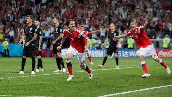 Rusya - Hırvatistan maçında Rusya'nın 2. golünü Mario Fernandes attı - Sputnik Türkiye