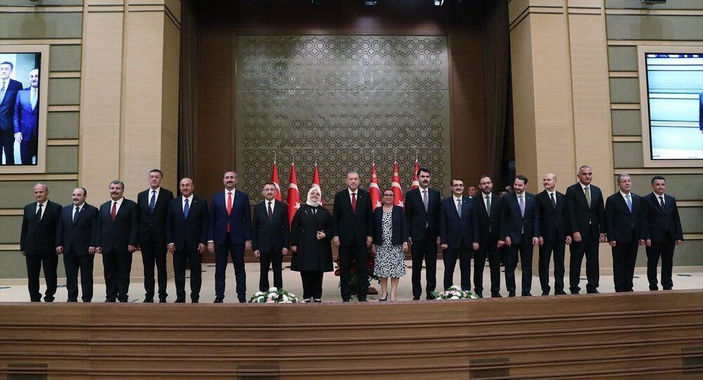 Erdoğan, yeni sistemin ilk kabinesini açıkladı