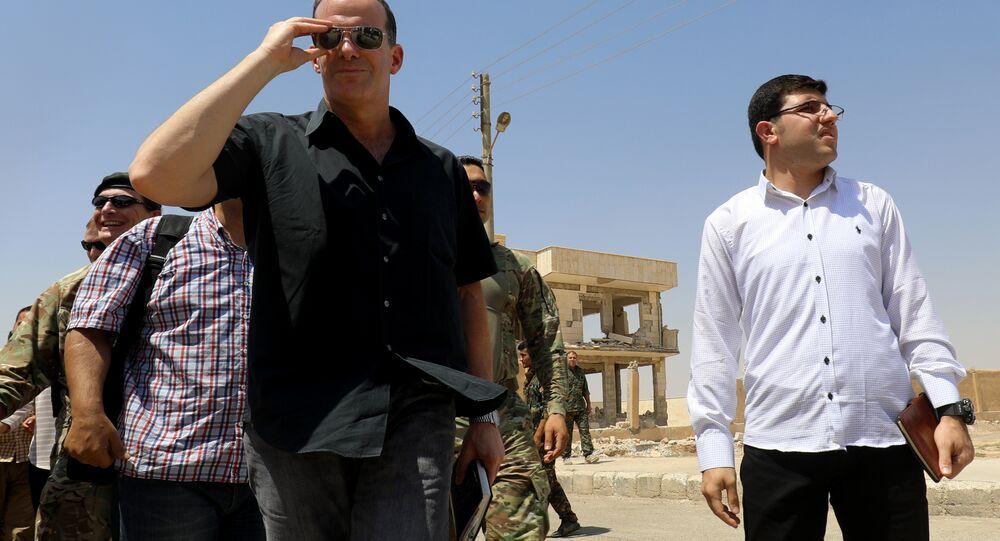 Trump'ın özel temsilcisi McGurk, Rakka'da YPG'yi ziyaret etti