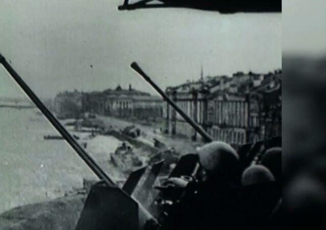 Modern tarihin en uzun süreli savaşlarından Leningrad Muharebesi, tam 77 yıl önce başladı