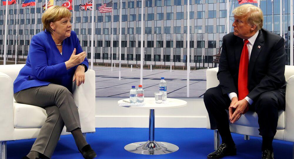 Trump ile Merkel, NATO Zirvesi'nde görüştü