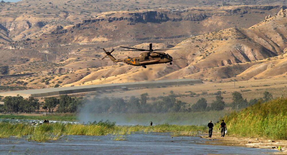 Taberiye Gölü üzerinde vurulduğu açıklanan İHA'yı arayan İsrail askerleri