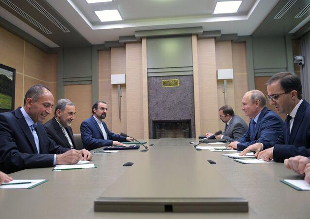 Rusya Devlet Başkanı Vladimir Putin- Ali Ekber Velayeti