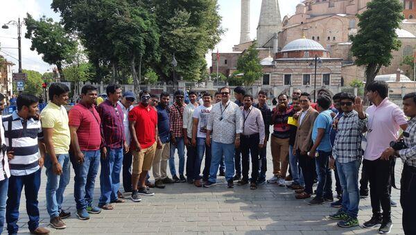 İstanbul'u ziyaret eden Hindistanlı çalışanlar - Sputnik Türkiye
