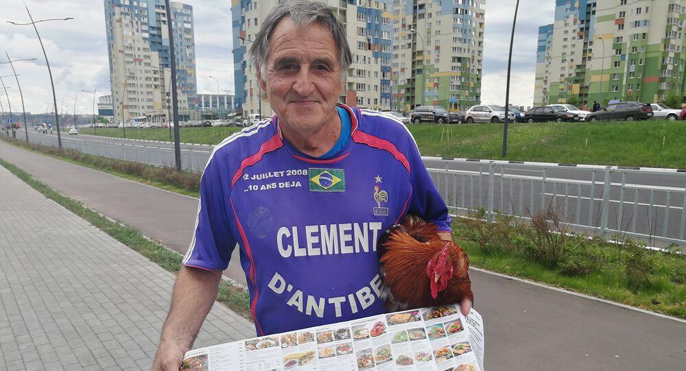 Fransız futbol taraftarı Clément d'Antibes