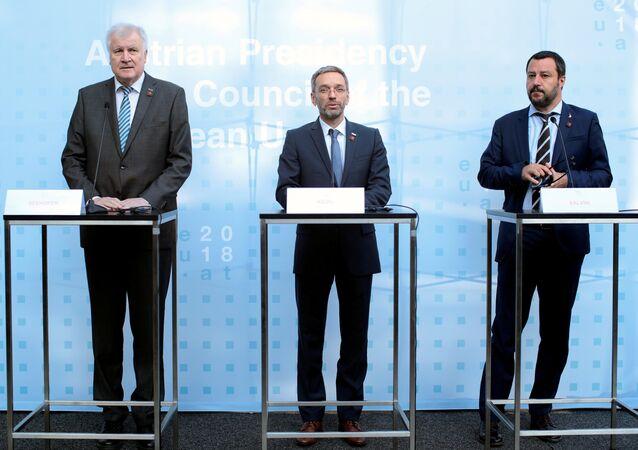 Almanya İçişleri Bakanı Horst Seehofer, İtalya İçişleri Bakanı Matteo Salvini ve Avusturya İçişleri Bakanı Herbert Kickl