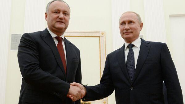 Rusya Devlet Başkanı Vladimir Putin-Moldova Devlet Başkanı İgor Dodon - Sputnik Türkiye