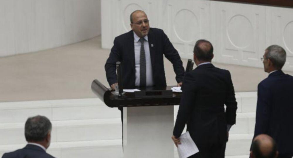HDP'li Ahmet Şık'a 2 birleşim Meclisten çıkarılma cezası