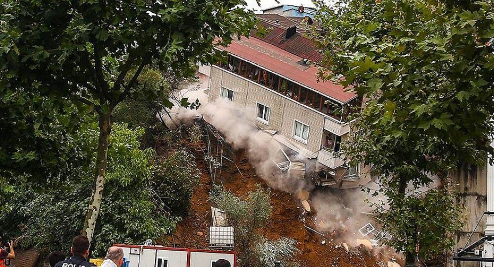Beyoğlu, çöken bina