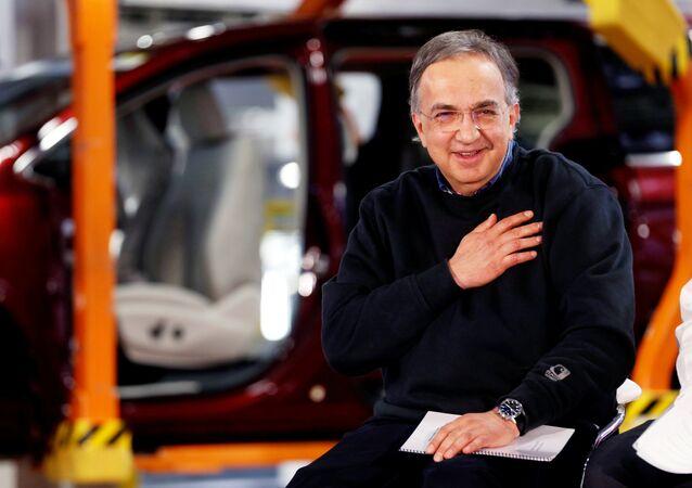 Sergio Marchionne, ABD'de Chrysler'ın hafif ticari aracı Pacifica'nın seri üretimine geçişini kutlama partisinde