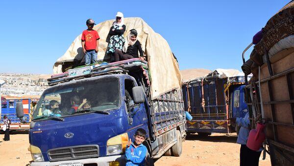 Lübnan'daki 850 Suriyeli mülteci daha evlerine geri döndü - Sputnik Türkiye