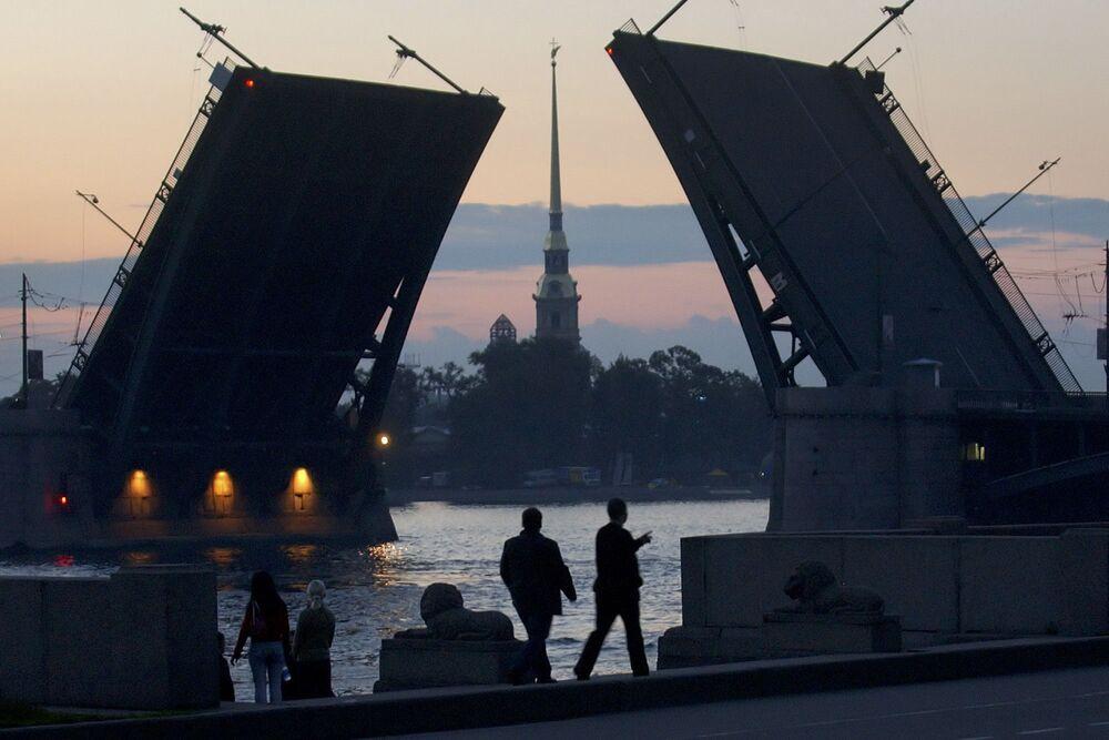 St.Petersburg'da beyaz geceler