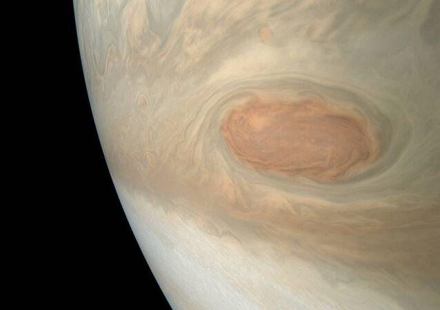 NASA, Jüpiter'deki fırtınanın fotoğrafını yayınladı