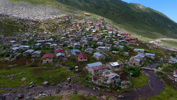 Rize'nin Çamlıhemşin ilçesi Topluca köyü - Sputnik Türkiye