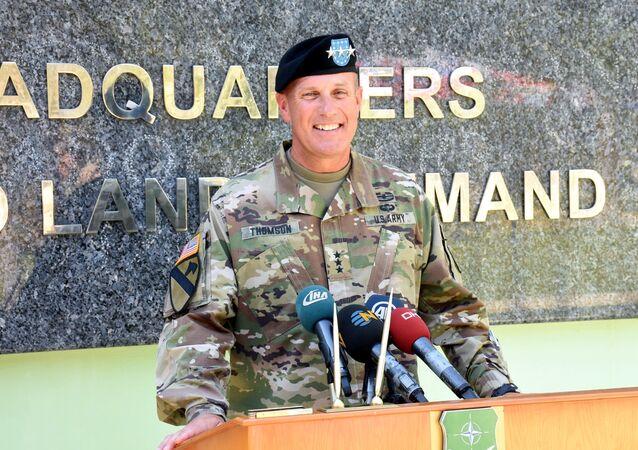 NATO komutanı John C. Thomson