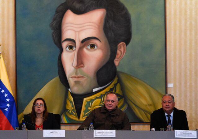 Venezüella Ulusal Kurucu Meclis Başkanı Diosdado Cabello, Birinci Başkan Yardımcısı  Elvis Amoroso ve İkinci Başkan Yardımcısı Tania Diaz