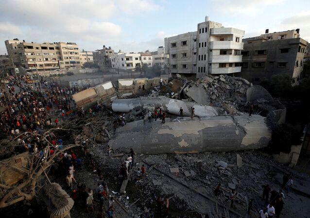 İsrail'in 9 Ağustos 2018'de Gazze'ye yönelik hava saldırısı sonucu tamamen yıkılan kültür merkezi binası