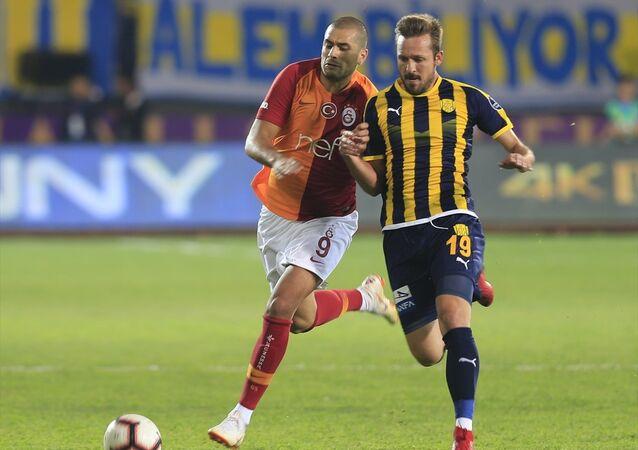 Son şampiyon Galatasaray, lige galibiyetle başladı