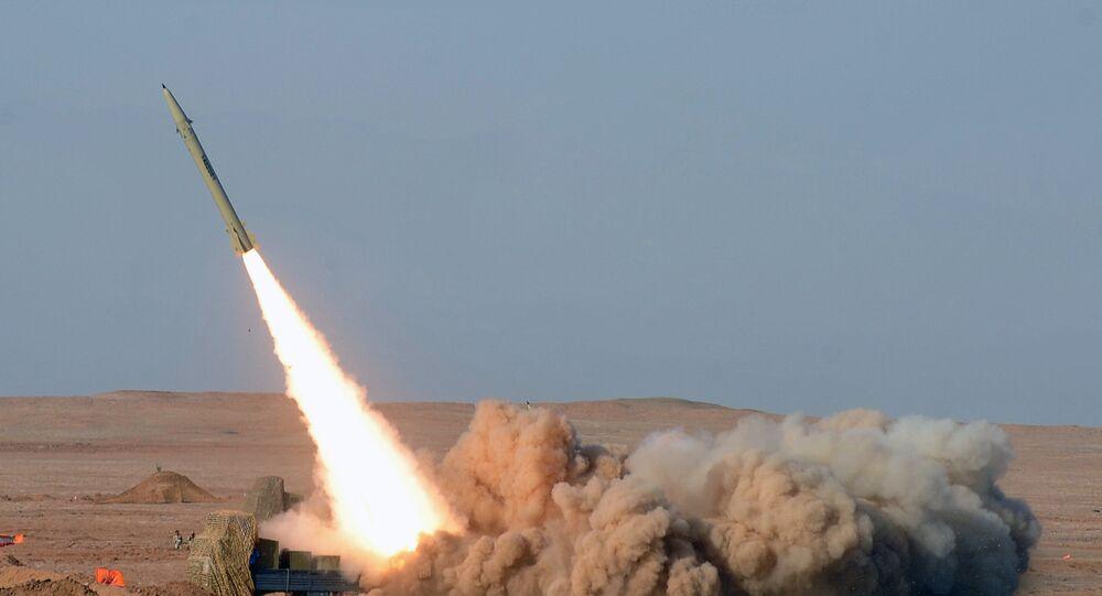 İran'ın kısa menzilli balistik füzesi 'Fateh'