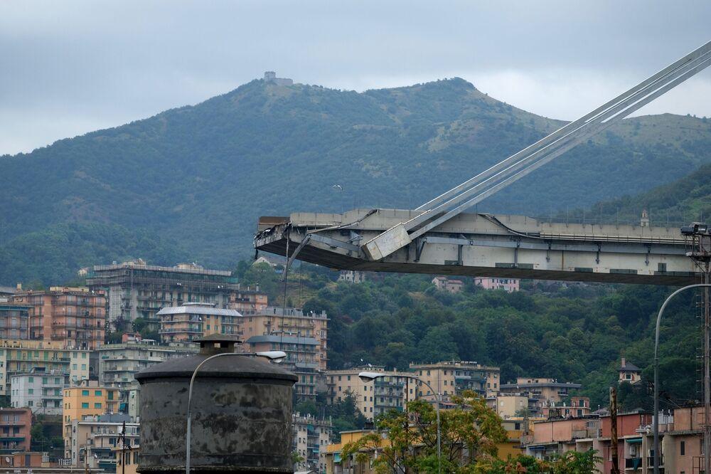 İtalya'da köprü çöküşü