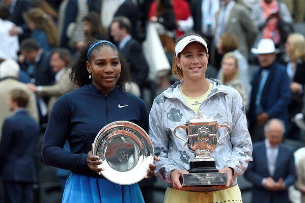 Garbine Muguruza ile Serena Williams - Sputnik Türkiye