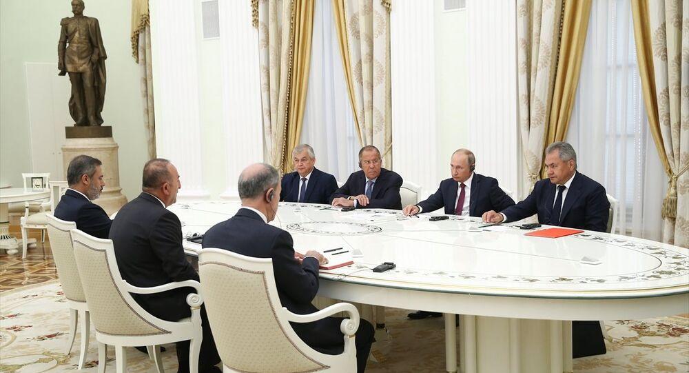 Putin: Rusya ile Türkiye, Suriye krizini çözmek için derin ekonomik işbirliği yapabilir