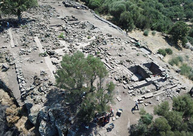 Athena Tapınağı'nın kalıntısı su kuyusundan çıktı: Bizanslılar gömmüş