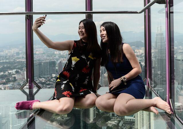 Selfie, estetik ameliyatı artırıyor