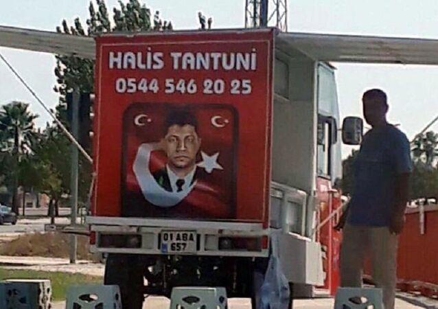 Ömer Halisdemir fotoğrafıyla satış yapan esnafın tezgahına el kondu: Milli duygularla yapmıştım