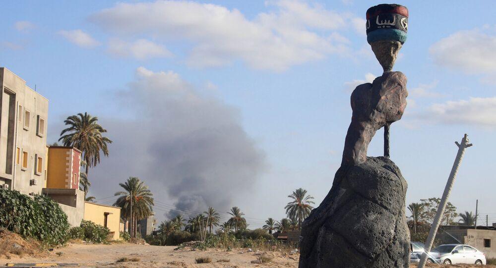 Çatışmaların devam ettiği Libya'da 400 mahkum hapishaneden kaçtı