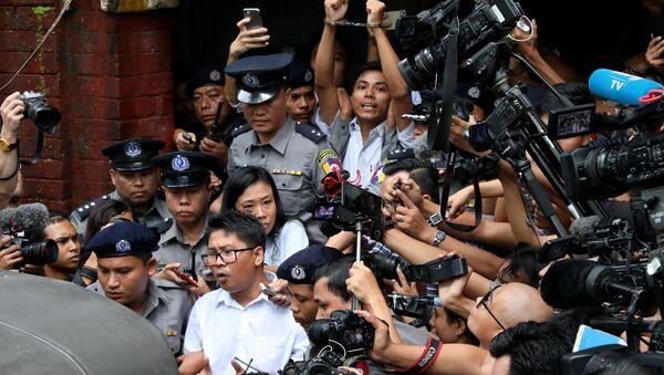 Myanmar'daki Reuters muhabirlerine yedişer yıl hapis - Sputnik Türkiye