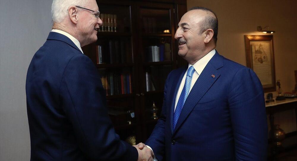 Dışişleri Bakanı Mevlüt Çavuşoğlu, ABD Dışişleri Bakanı Mike Pompeo'nun Suriye'yle Angajmandan Sorumlu Özel Temsilcisi James Jeffrey'i kabul etti.