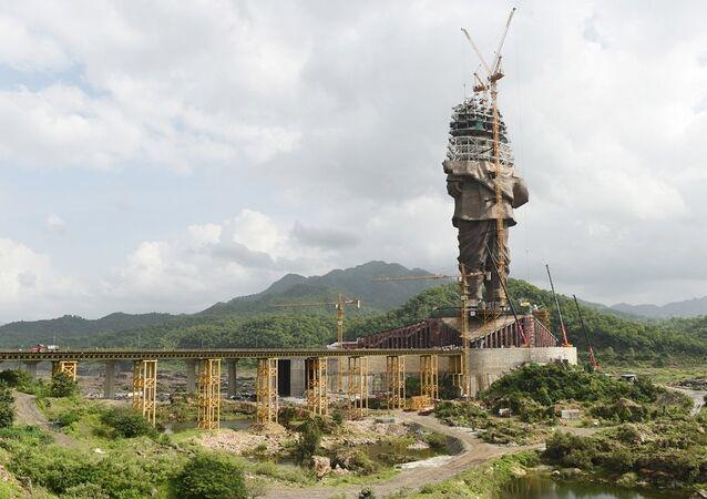 Hindistan'da dünyanın en büyük heykeli tamamlanıyor