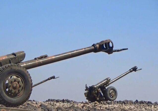 Suriye topçu birlikleri ülkenin güneyinde IŞİD'i bitiriyor
