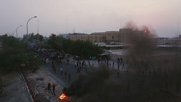 Irak'ın Basra kentinde protestolar - Sputnik Türkiye