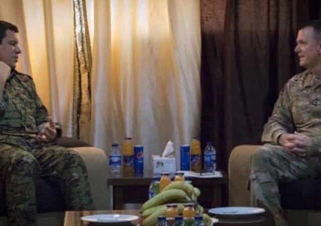 ABD'li general, Türkiye tarafından kırmızı kategoride aranan YPG'li ile görüştü