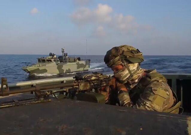 Rusya Silahlı Kuvvetleri'nin Akdeniz'deki tatbikatından etkileyici görüntüler