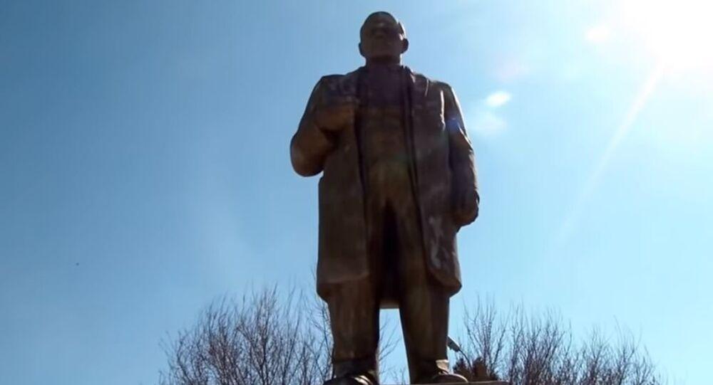 Lenin heykeli
